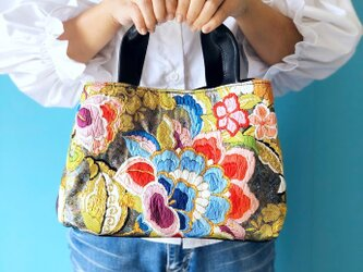 プリモ ハンドバッグ 唐織 花柄 & 本革 ブラックの画像