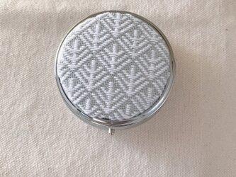 こぎん刺しのピルケース〈6cm×松笠〉の画像