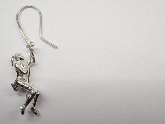 climber woman pierceの画像