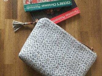 pouch[手織りポーチ] グレーの画像
