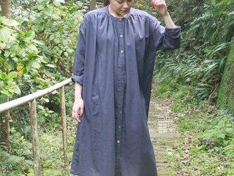 綿麻ギャザーワンピース(ブルーグレー)の画像