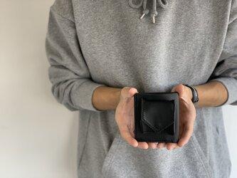 コンパクトに高機能に minimal wallet blackの画像