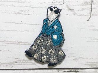 手刺繍浮世絵ブローチ*歌川国芳「流行猫の曲手まり」よりの画像