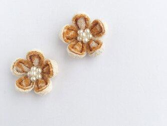お花のピアス/イヤリングの画像