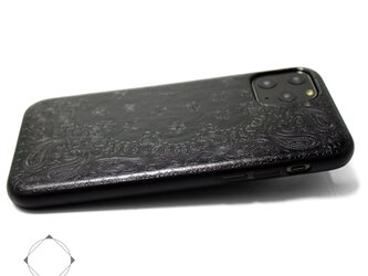 【iPhone12/12pro/12mini/11/11pro】特殊エンボス加工レザーケースカバー ペイズリー×ブラックの画像