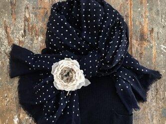 ー薔薇ーGRAYー。。。suMire-bouqet布花コサージュ。結婚式コサージュの画像