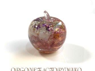月のエネルギー 癒し 愛情 六芒星 幸運メモリーオイル入り りんごちゃん オルゴナイトの画像