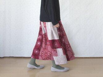 絞りのパッチワークマキシスカートの画像