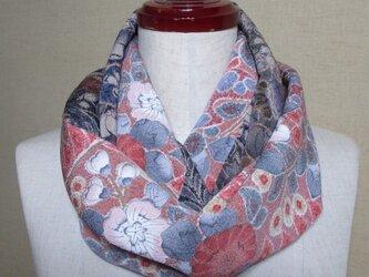 着物リメイク 2種類の縮緬辻ヶ花模様の小紋から上品なスヌードの画像