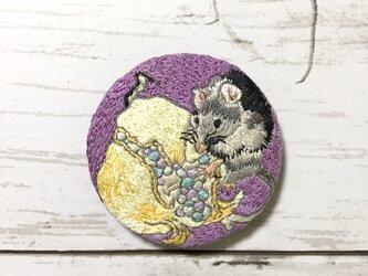 手刺繍日本画ブローチ*鈴木松年「鼠白石榴子図」よりの画像