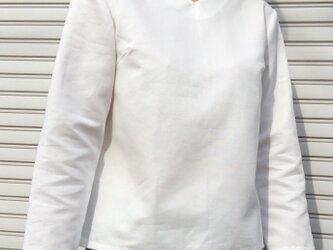 体型カバーTブラウスVネックスノーホワイトの画像