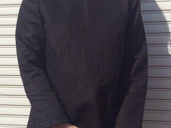 体型カバーTブラウスVネックディープブラックの画像