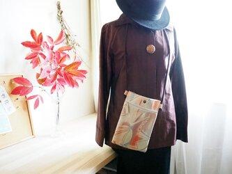 パーティーにも映えるキラキラ帯のサコッシュ--ユニーク模様の袋帯からの画像