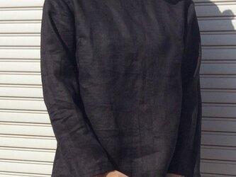 リネンの体型カバーTブラウスブラックの画像