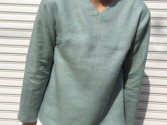 リネンの体型カバーTブラウスVネック薄浅葱色の画像