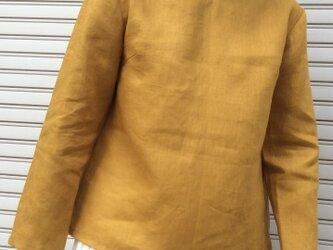 リネンの体型カバーTブラウスVネック山吹色の画像