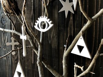 小サイズ5種類各1セット ホワイト★大人のウッドオーナメント 月 クロス 目 スター 三角 クリスマスオーナメント ディスプレイの画像