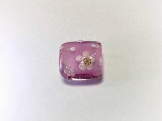 梅花の帯留(ピンク)の画像