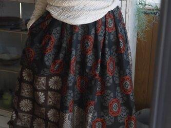 大島紬からリメイクパッチスカートの画像