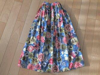 【大SALE】パッと華やぐピンクお花スカート (ブルー)の画像