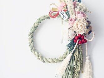 ボタニカルなバラと木の実のしめ縄飾り(ピンク)お正月飾り しめ縄リース ドライフラワーの画像