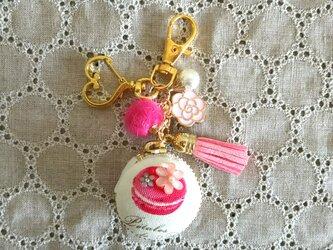 ピンクのマカロンケーキマカロン☆キーホルダーの画像