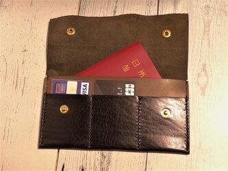 黒色オイルレザーの通帳ケース・パスポートケースの画像