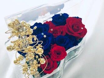 【プリザーブドフラワー/グランドピアノシリーズ】青と赤の薔薇の冷静と情熱の音色の画像