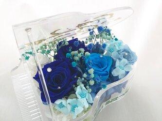 【プリザーブドフラワー/グランドピアノシリーズ】青い薔薇の奇跡とブルーROSEの画像