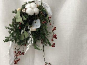吊すクリスマスの画像