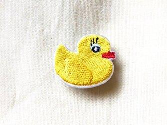 刺繍ブローチ 「アヒルのおもちゃ」の画像