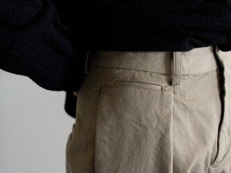 original cotton twill/tuck pantsの画像