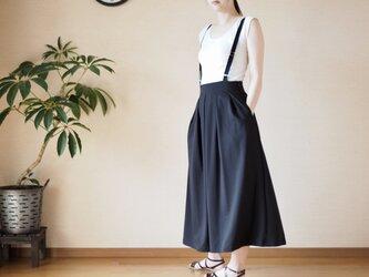 タックサスペンダースカートの画像