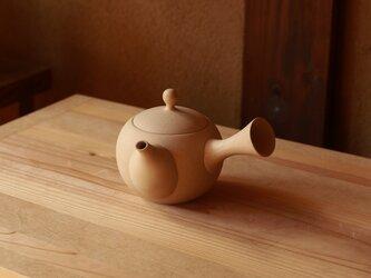 【愛知県常滑産】とこなめ焼の急須・丸・260cc・砂色(小さめの湯呑2杯分)の画像