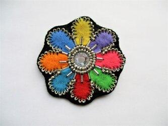お花型ビーズ&ビジューのブローチ(ビビッド)の画像