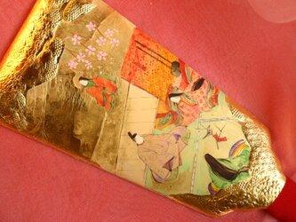 手描きハンドメイドの羽子板で、正月祝いの源氏物語「初音」の場面です。の画像
