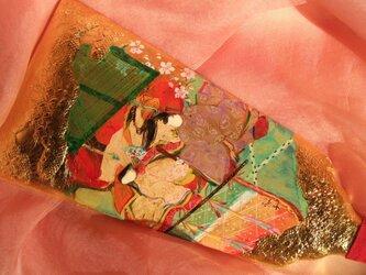 手描きハンドメイドの羽子板で、正月祝いの源氏物語「花宴 はなうたげ」の場面です。の画像