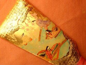 手描きハンドメイドの羽子板で、正月祝いの源氏物語「初音 はつね」の場面です。の画像