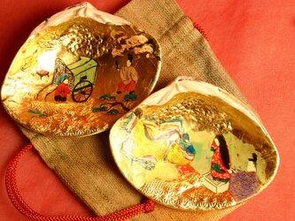 幅8cmのハマグリに、初節句祝いの源氏物語「葵 あおい」をオーダーメイドで制作。の画像