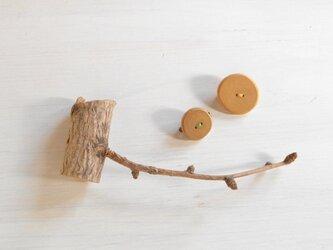 小枝のブローチ 2個セットの画像