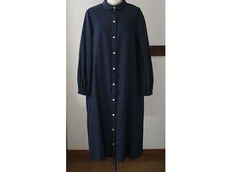 丸衿のシャツワンピース コットンリネン ネイビー(M)の画像