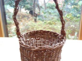那須の山のアケビ蔓で編んだ花かご【3】とって有りの画像