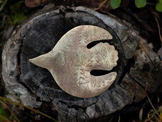 ブローチ「森をつれて」の画像