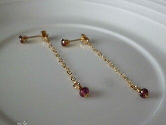 swing earrings - garnet 14kgfの画像