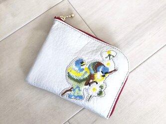 シン L字財布 カードケース付き 本革 パールホワイト 小鳥 刺しゅう アップリケの画像
