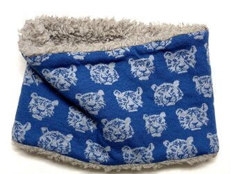 【かぶるタイプ】とら虎トラさん柄(ブルー)+ふわふわプードルファーのネックウォーマーの画像