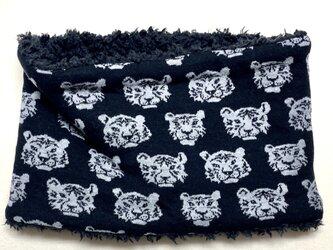 【かぶるタイプ】とら虎トラさん柄(ブラック)+ふわふわプードルファーのネックウォーマーの画像