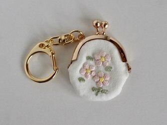 ピンクの小花 手刺繍ミニがまぐちの画像