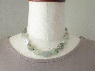 グリーンのネックレスの画像