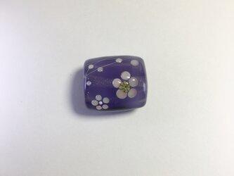 梅花の帯留(紫)の画像